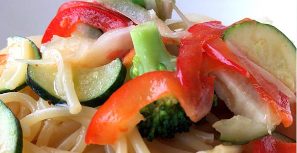 チキンと彩り野菜の瀬戸内レモンパスタ ~青唐辛子風味~