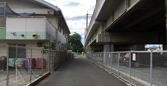 桑の実戸田公園保育園横の道