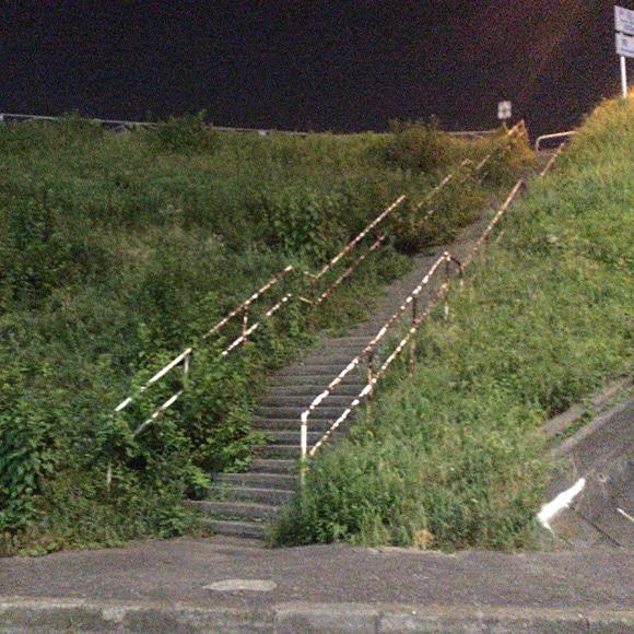 戸田橋に繋がる階段