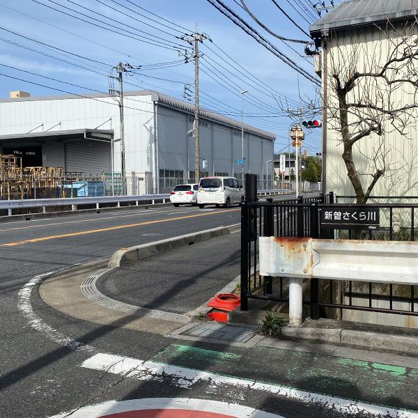 オリンピック通りを右折します。